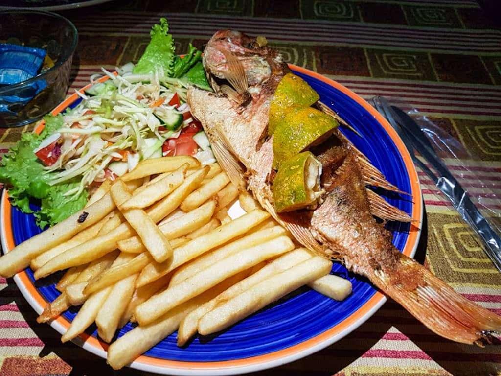 Pescado del día, una opción no muy frecuente pero sí muy sabrosa en Costa Rica