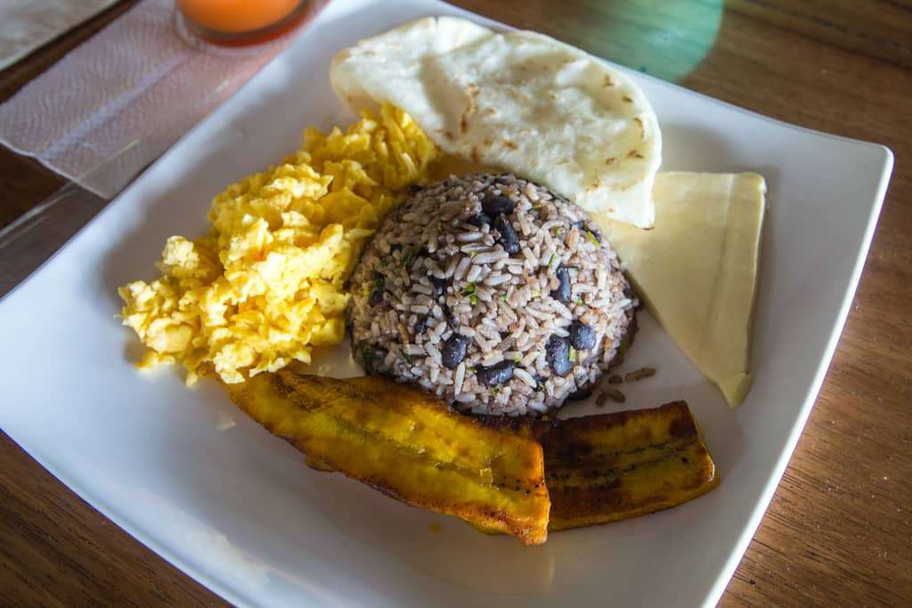 Gallopinto, el desayuno típico de Costa Rica