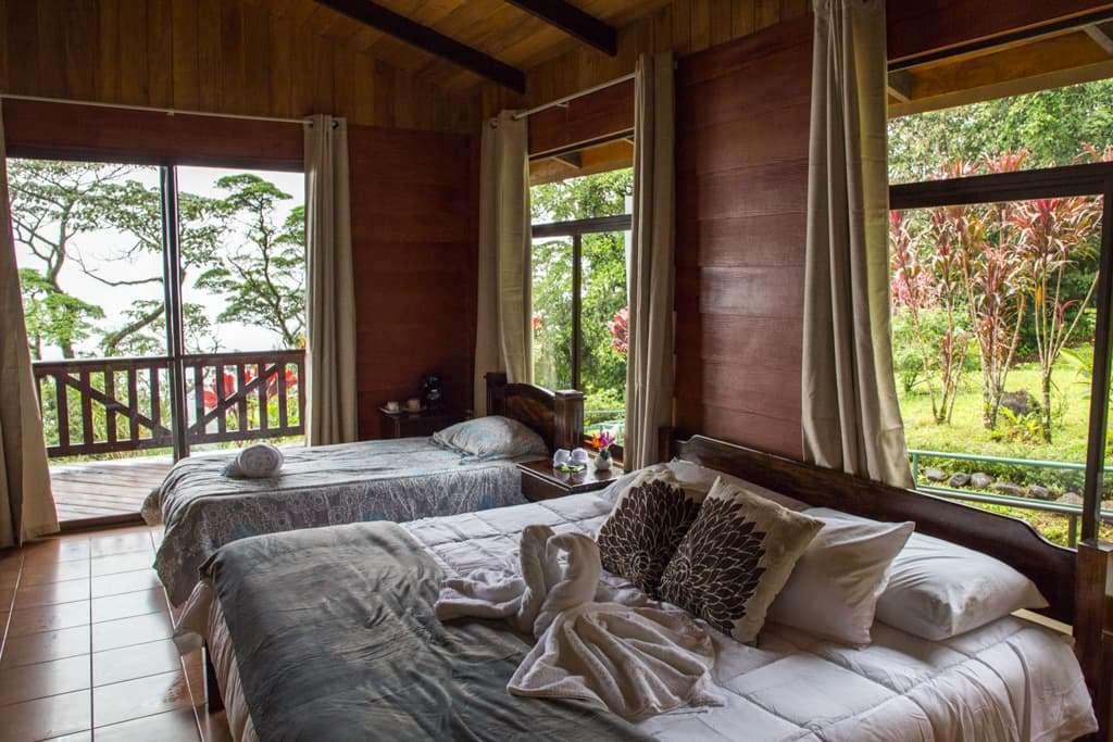 Habitación del Heliconias Lodge en Bijagua