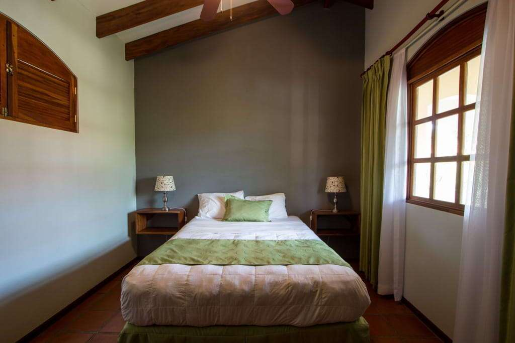 Habitación del hotel Villa del Sueño en playa Hermosa, Guanacaste, Costa Rica