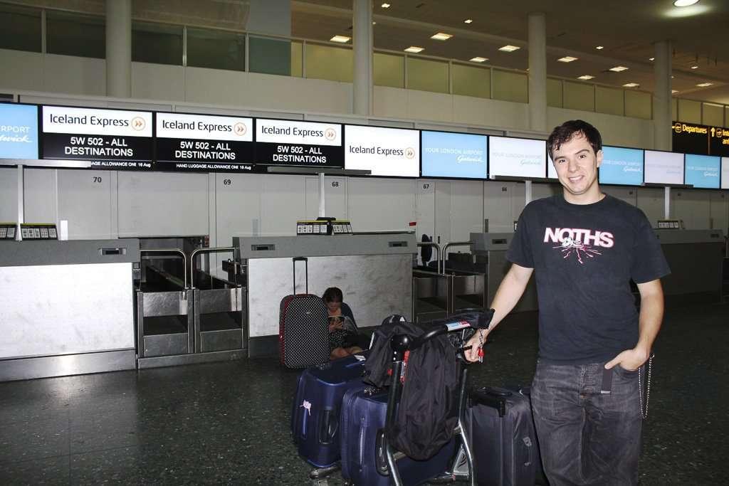 Alberto en el aeropuerto de Gatwick