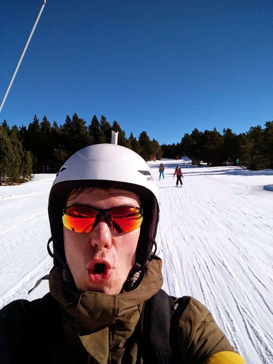 Disfrutando de un buen día de esquí