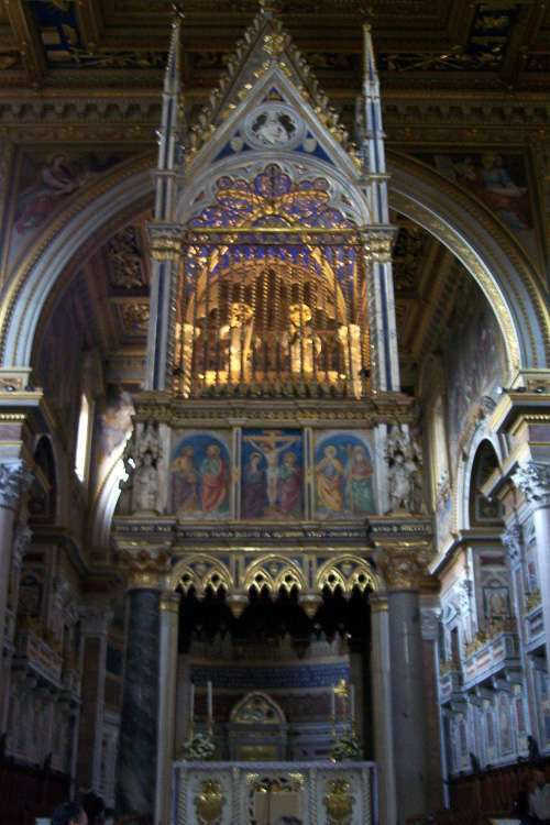 Altar papal en San Giovanni in Laterano