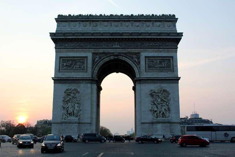 Arco del Triunfo al atardecer