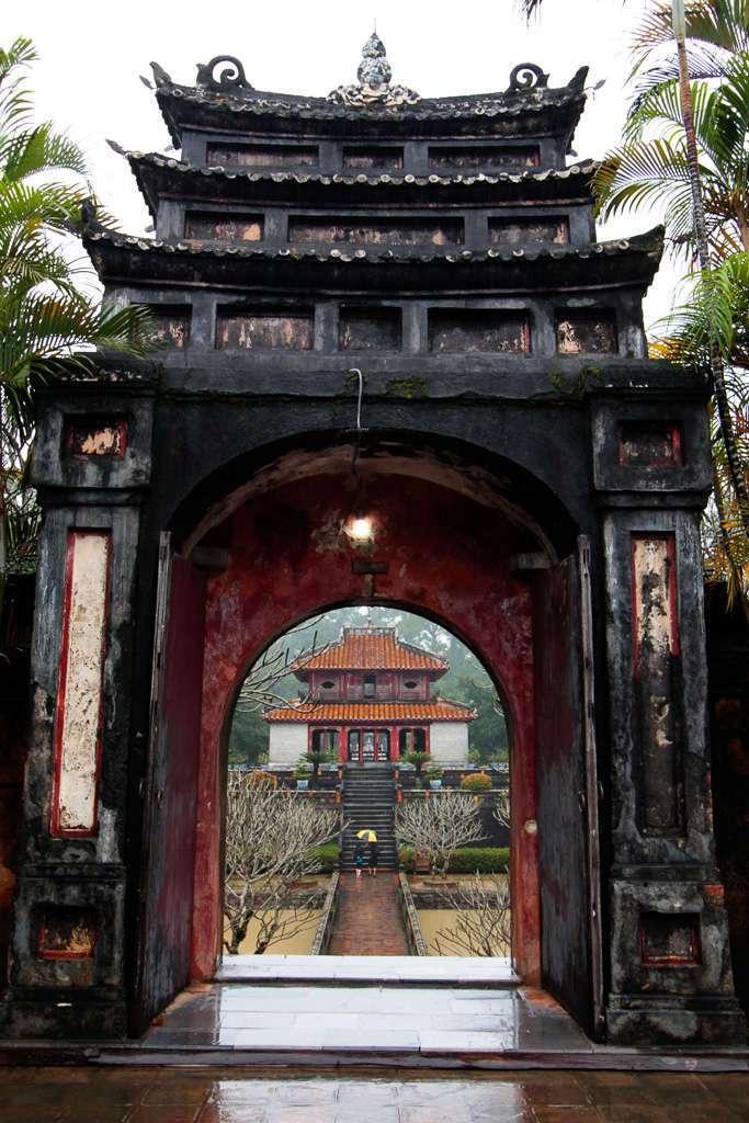 Arcos en la Tumba Imperial de Minh Mang (Hue)