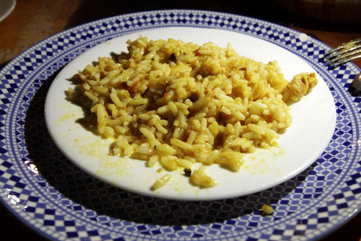 Arroz con pollo en la cena del Auberge Café du sud