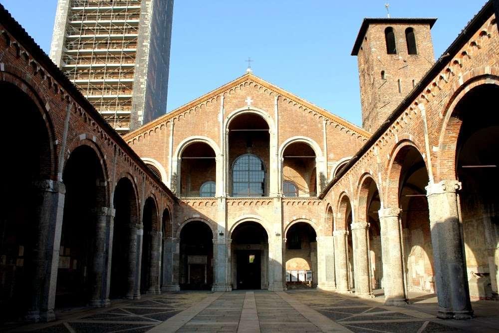 Atrio Basílica de San Ambrosio