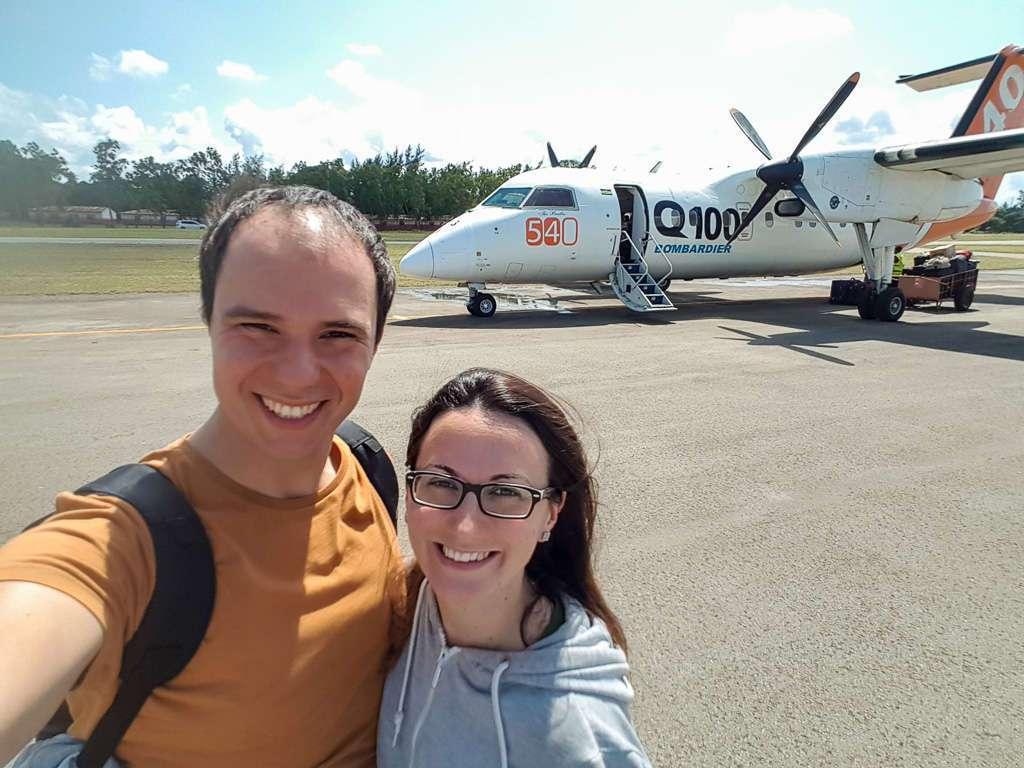 En el aeropuerto de Ukunda tras aterrizar