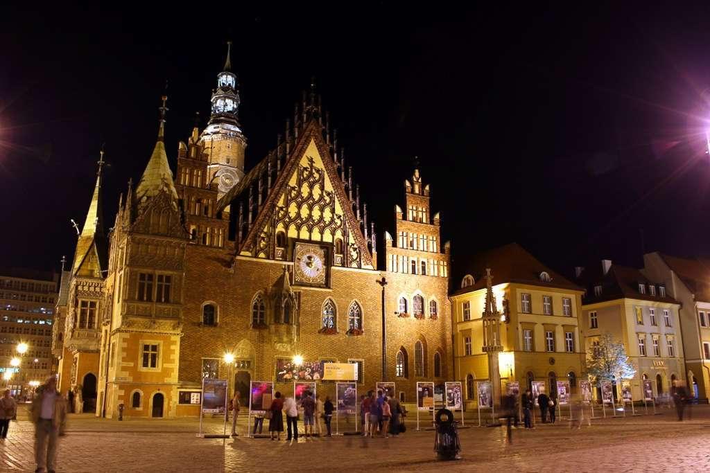 Ayuntamiento de Wroclaw de noche