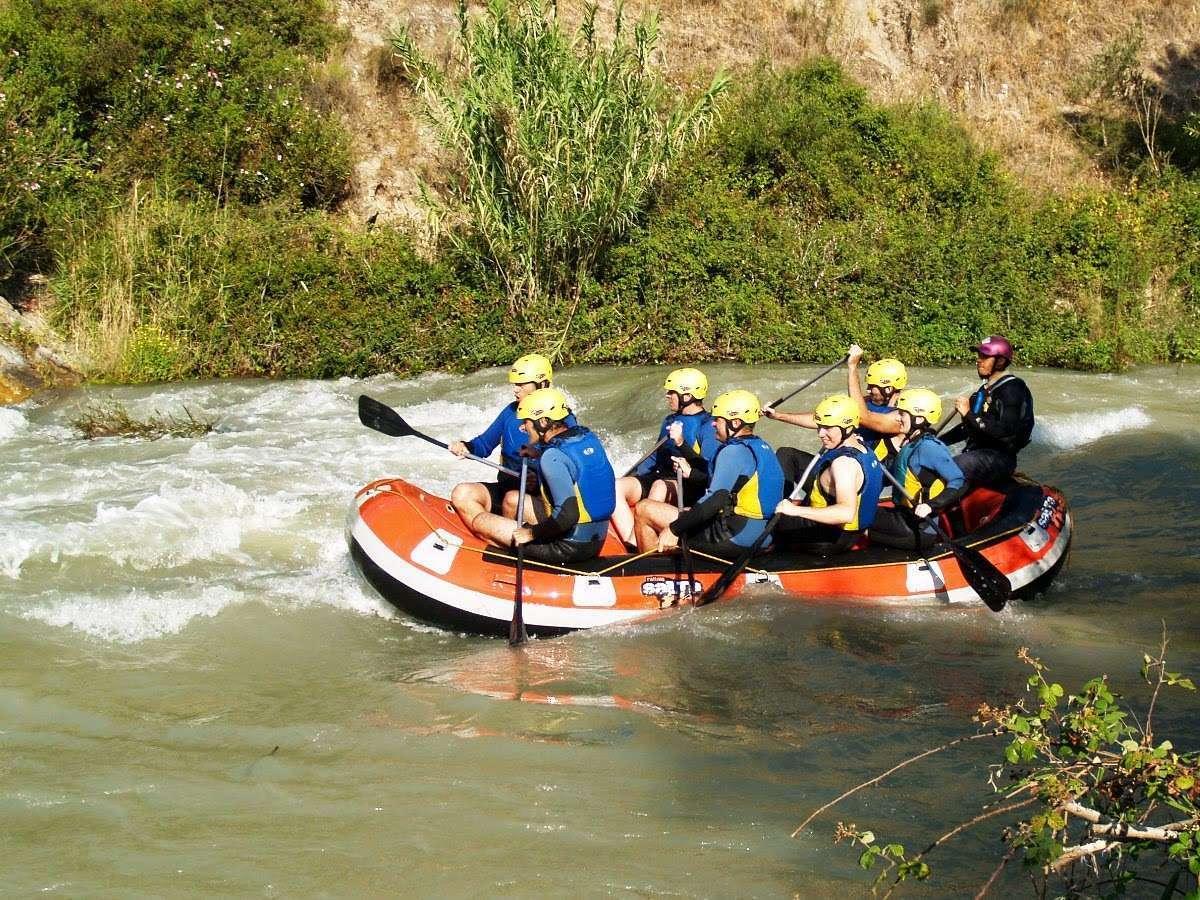 Haciendo rafting en el río Genil