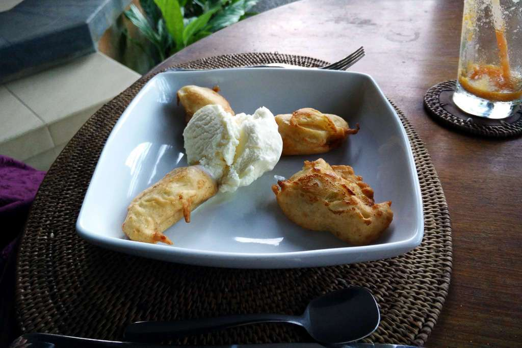 Bananas fritas en el Bunga Permai de Ubud