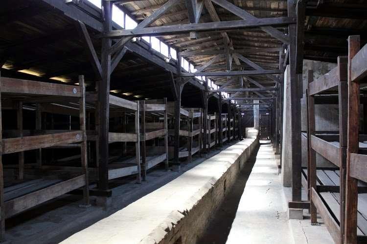 Barracones en (Campo de concentración de Auschwitz II-Birkenau)