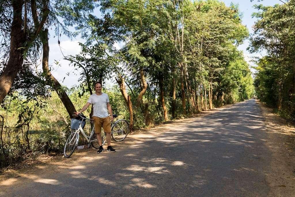 Paseando en bici por el lago Inle