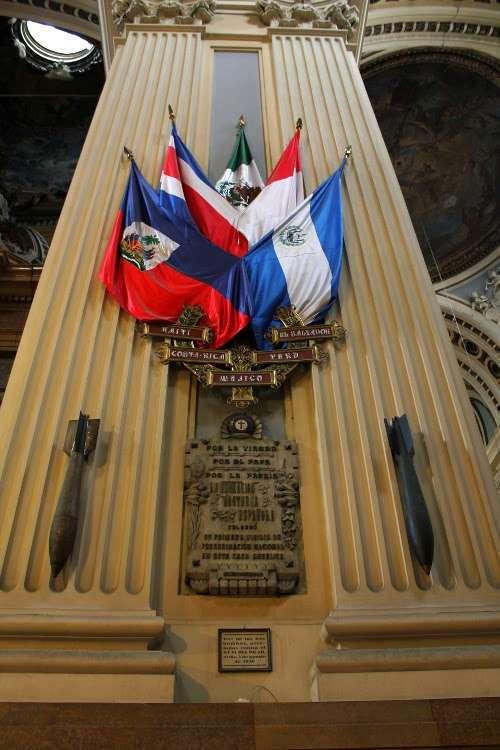 Bombas de la Guerra Civil en la Basílica del Pilar (Zaragoza)
