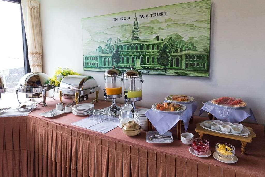 Buffet de desayuno en el hotel Spring Lodge Inle
