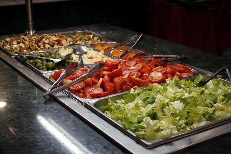 Buffet del hotel (comida - cena)