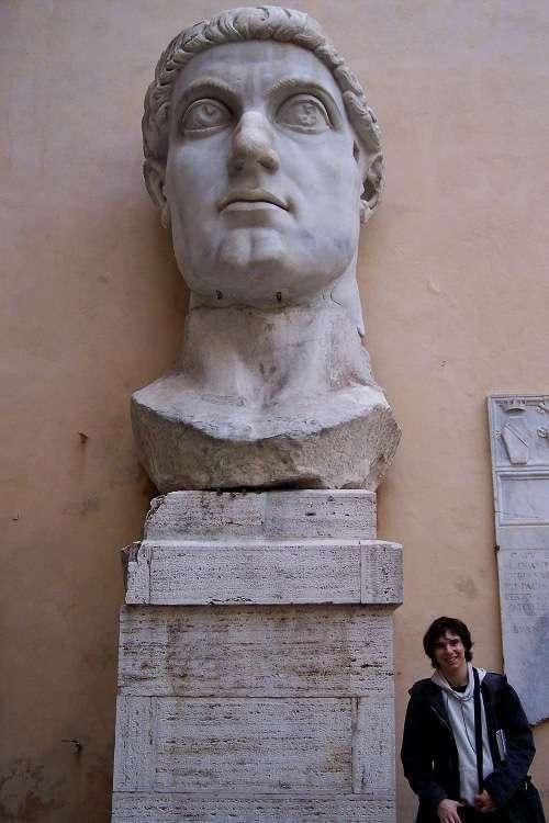 Cabeza de Constantino (Museos Capitolinos)