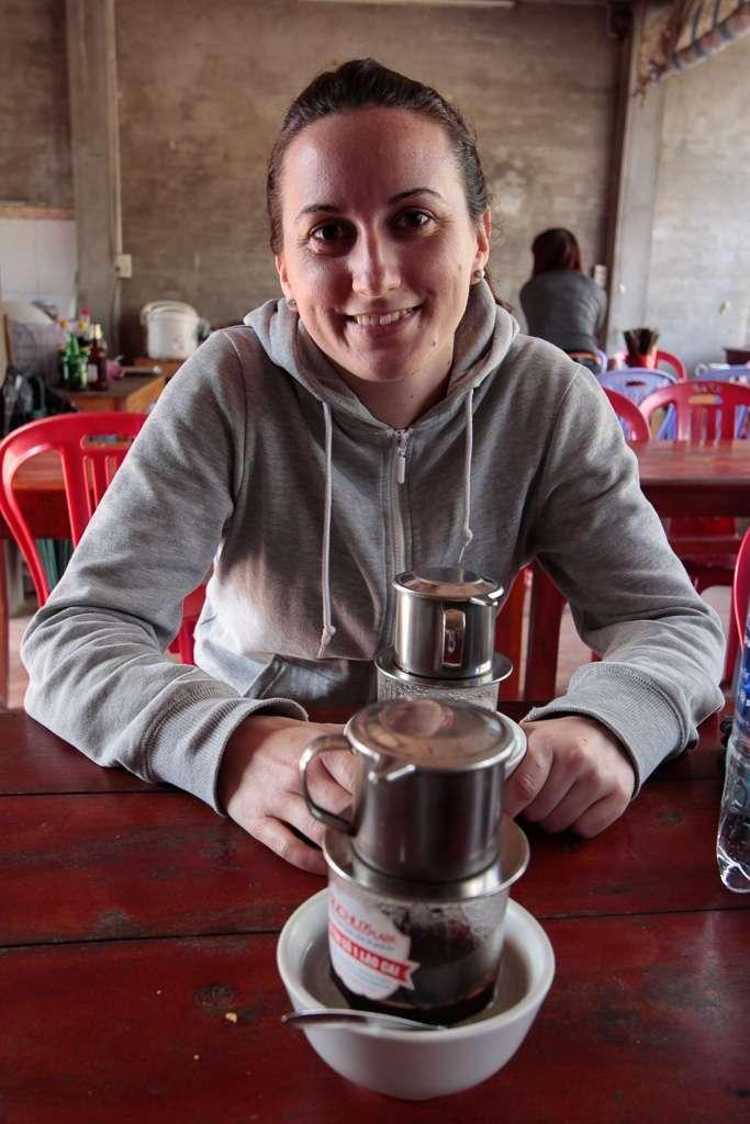 Tomando un café vietnamita en Sapa