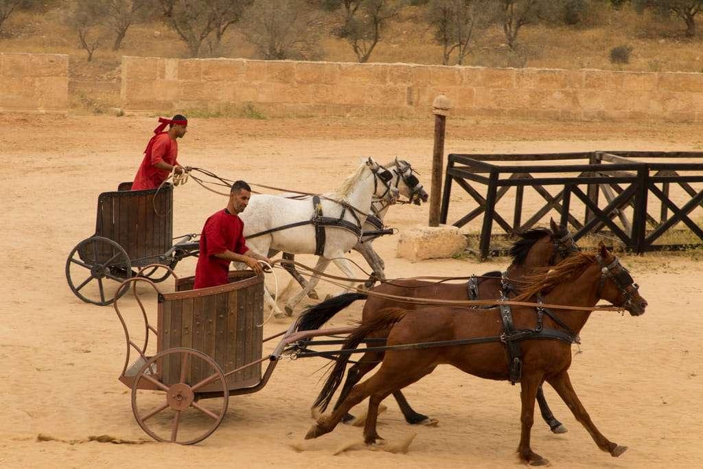 Carrera de cuádrigas en el circo romano de Jerash