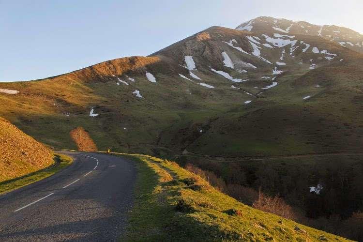 Carretera en los Pirineos