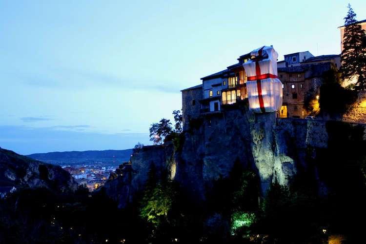 Casas Colgadas envueltas en regalo (Cuenca)