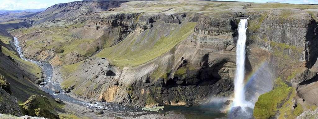 Nosotros frente a cascada Haifoss y cascada Granni en Islandia