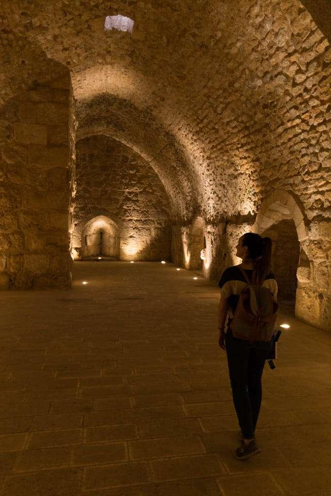 Recorriendo las cámaras del Castillo de Ajlun