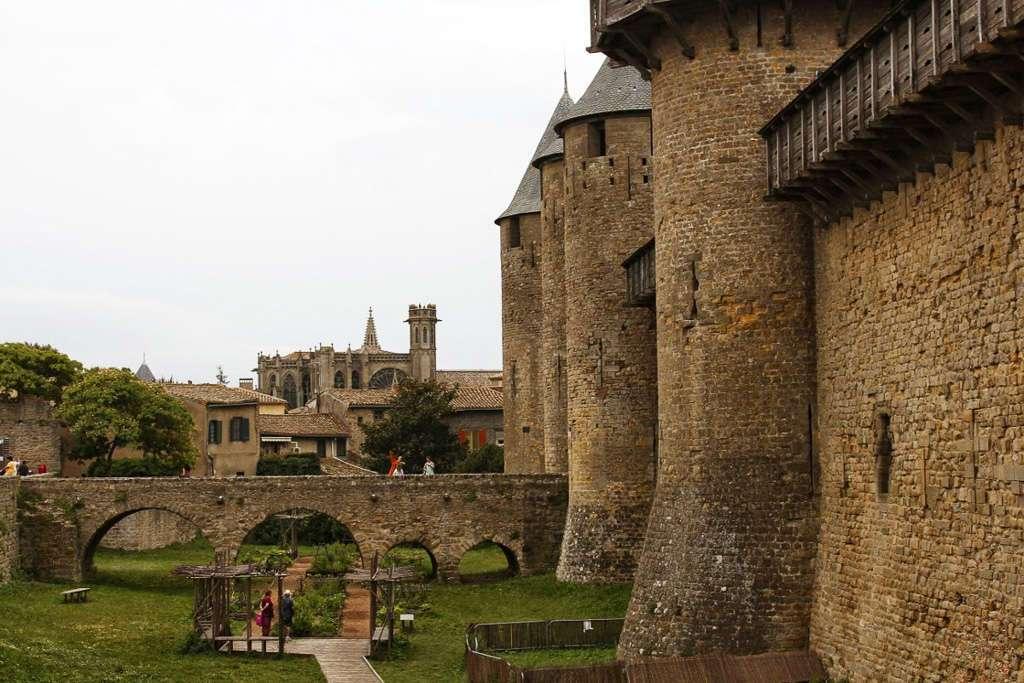 Castillo Condal y Catedral de Saint Michel (Carcassone)