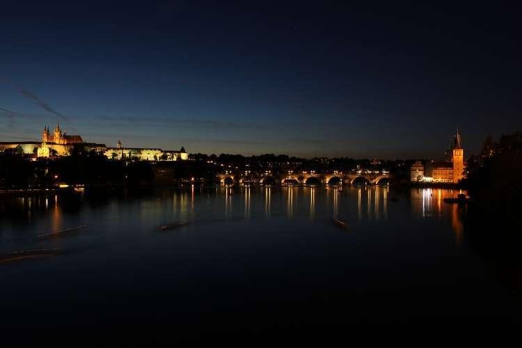 Castillo y Puente de Carlos (Praga)