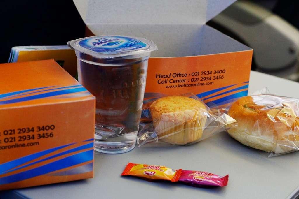 Catering de Kalstar en el avión rumbo a Borneo