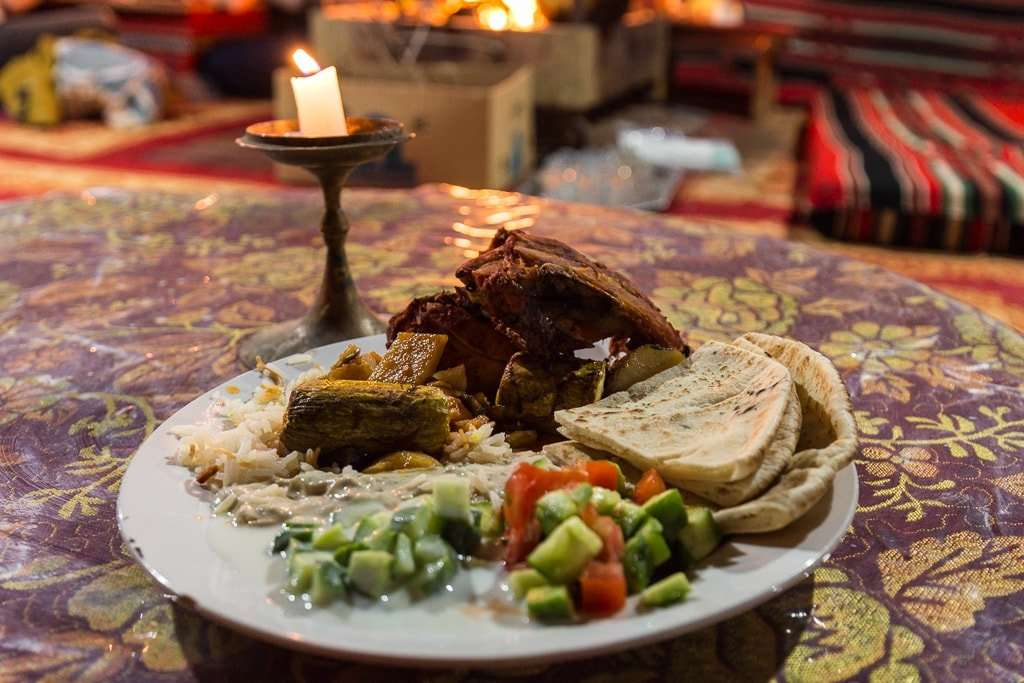Cena en Wadi Rum Starlight Camo Jordania