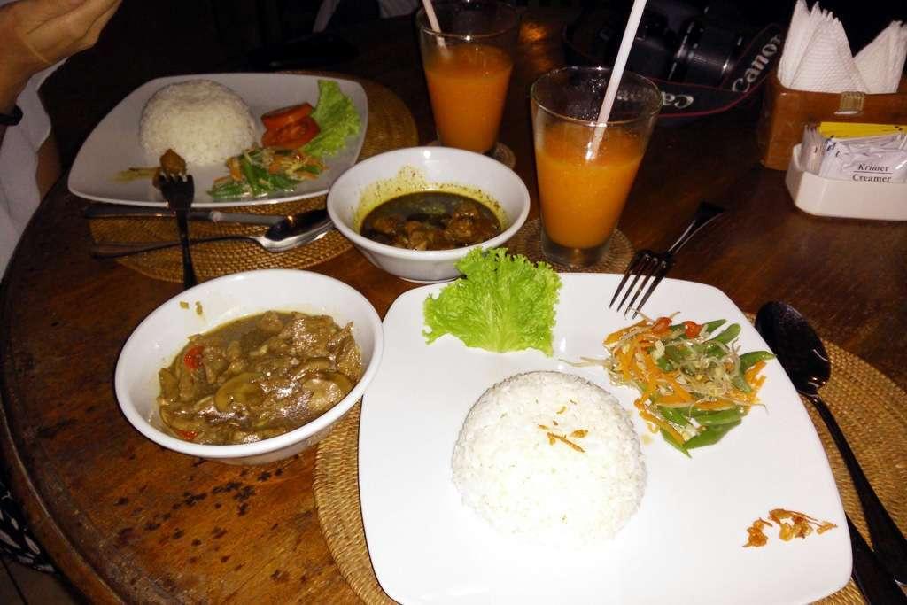 Cena en el Bunga Permai en nuestro cuarto día en Ubud (Bali)