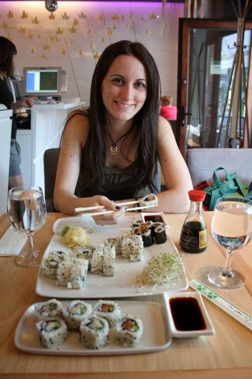 Comiendo sushi en Varsovia
