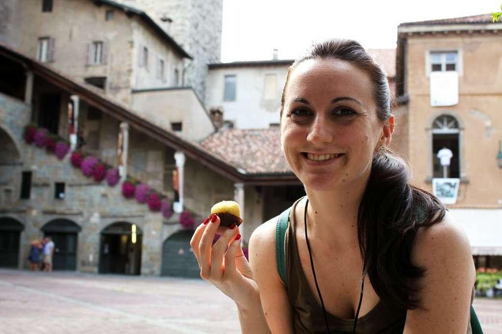 Comiendo una polenta (Bergamo)