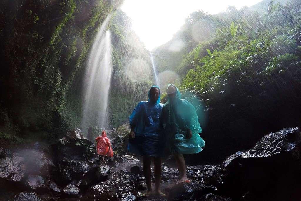 Nosotros en la cascada Madakaripura