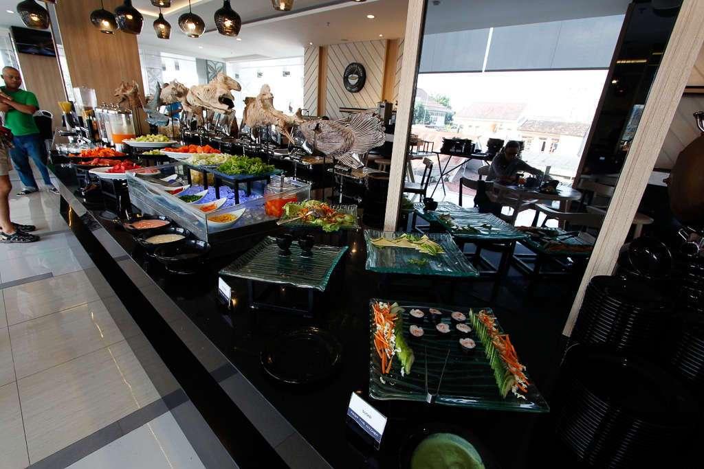 Buffet del hotel Neo Malioboro (Yogyakarta)