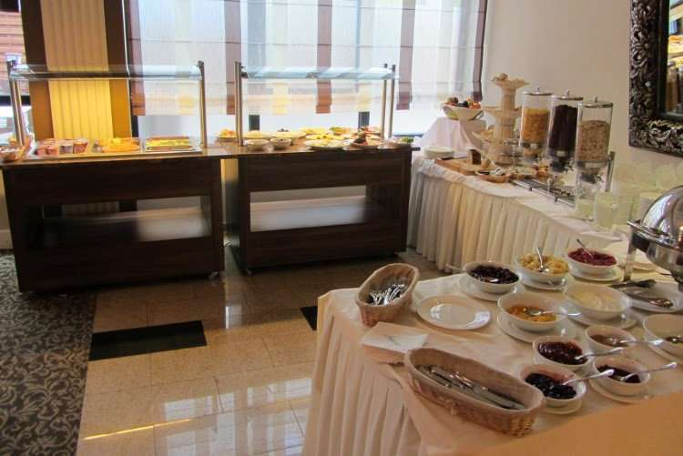 Desayuno JM Apart Hotel (Varsovia)