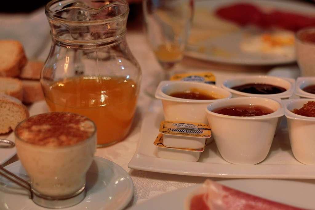 Desayuno de la Posada Peña Casares