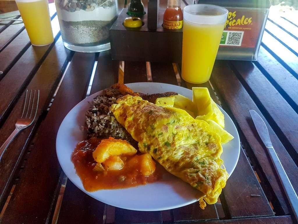 Desayuno con Ríos Tropicales