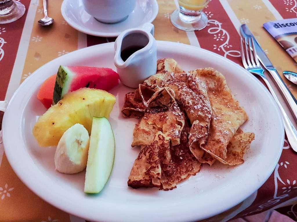 Desayuno de Lena en el hotel Villa del sueño