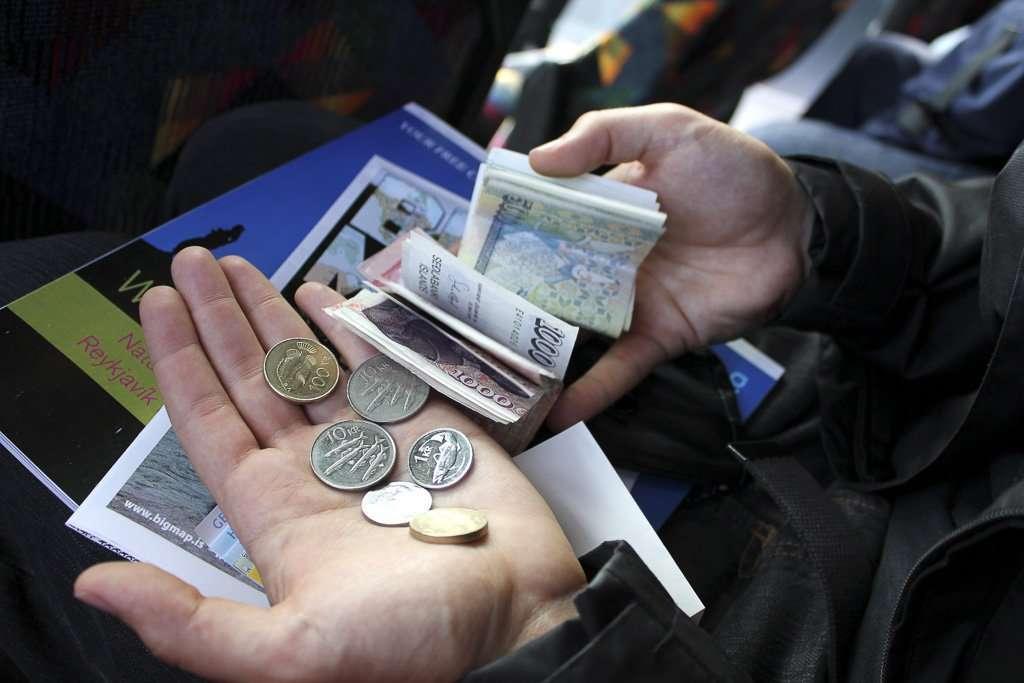 Billetes y monedas islandesas