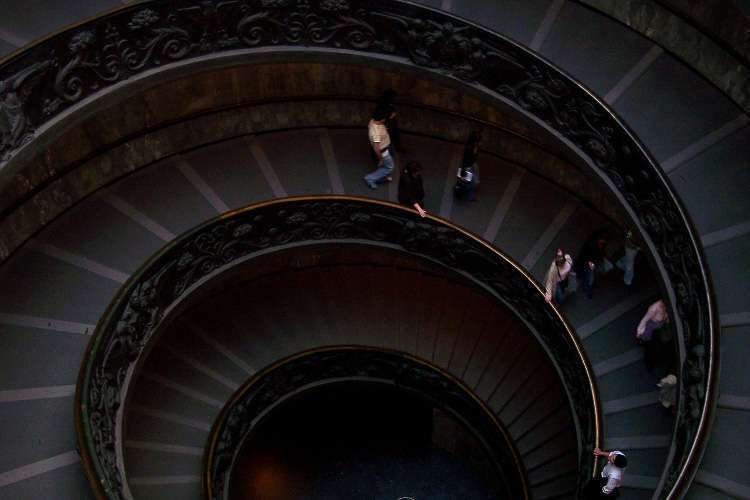 Escaleras de Giuseppe Momo (Museos Vaticanos)