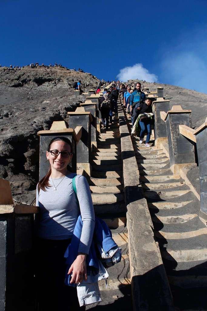Escalera para subir al Monte Bromo