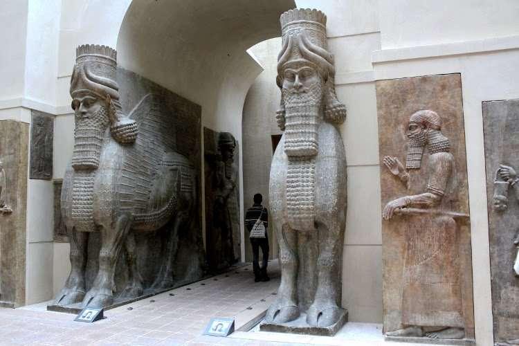 Esculturas persas (El Louvre)