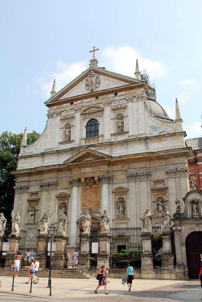 Fachada de la Iglesia de San Pedro y San Pablo (Kościół Św. Apostołów Piotra i Pawła)