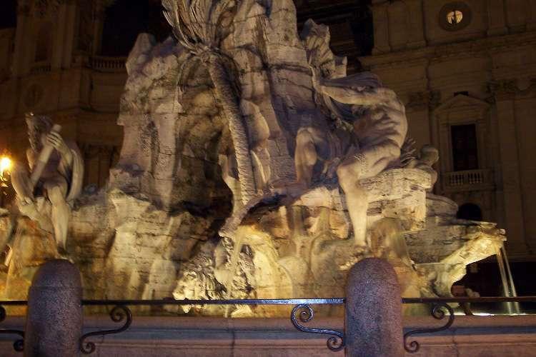 Otro lateral de la Fontana dei Quattro Fiumi