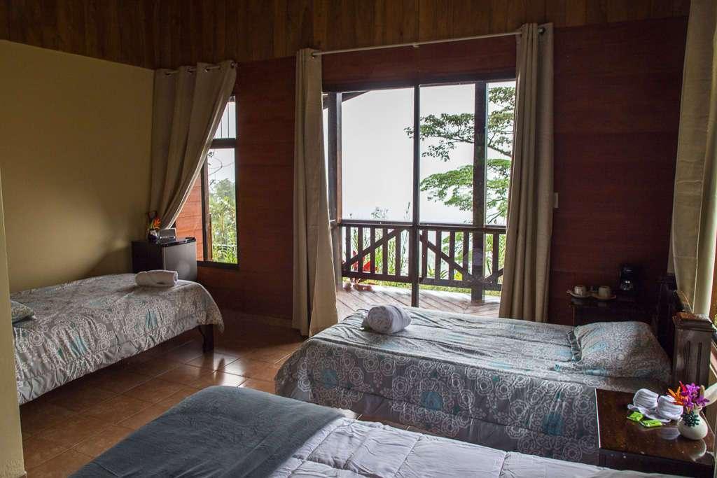 Habitación superior del Heliconias Lodge en Bijagua