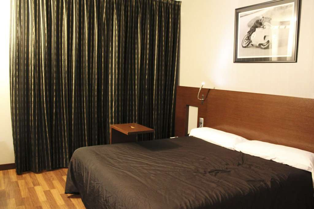 Täch Hotel Madrid Airport - Hotel cerca del aeropuerto de Barajas