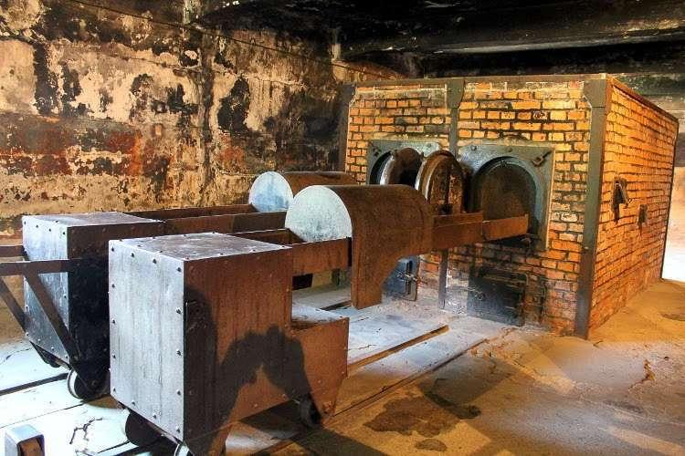 Hornos del campo de concentración de Auschwitz