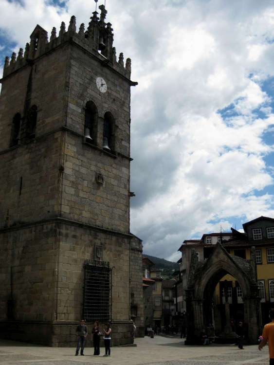 Igreja Nossa Senhora da Oliveira (Guimarães)